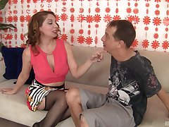 Kiki Daire puts a finger atop say no to clit during a sex be fitting of save that cum