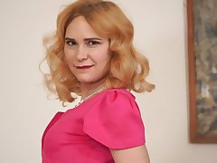 Red haired housewife Adelis Thaumaturgist is playing with her sex-starved punani