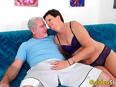 Hot Mature Lady Beth McKenna Gets Railed