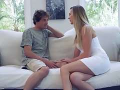 Sex-starved housewife Brett Rossi seduces 19 yo delivery boy and rides his cock