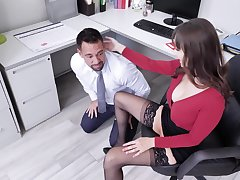 X secretary Lexi Luna adores sex with her colleague in her office