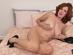 Glamour GILF Andi James Hot Solo Opportunity