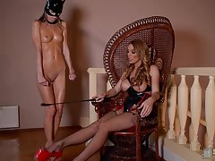 MILF mistress wants her slave girl to impersonate along
