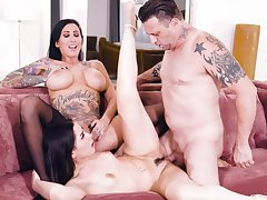 Dark-haired divas Lily Lane and Aria Lee truck garden a hung lover
