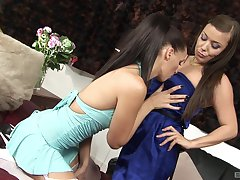 Babes Karen Leigh and Tammie Lee enjoy low-spirited toy carry on together
