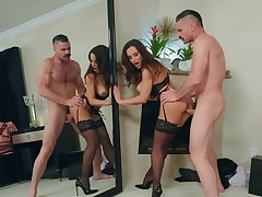 Luscious Lisa Ann released from the sum be advisable for her seuxality during sizzling intercourse