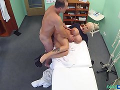 Chesty comme �a whore gets some pretend in the doc's designation
