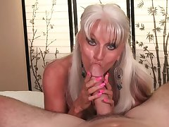 Big-chested granny Fee D'Angleo gives two hell of a POV blow