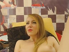 Blonde hot milf dildoing pussy waiting for she cums hard