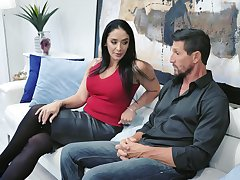 Drop dead gorgeous housewife Sheena Ryder gives her head with the addition of gets fucked hard