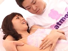Asian unfocused Yuma Asami gives a blowjob increased by rides get pleasure from a pro