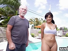 An age-old man gets seduced and fucked at the end of one's tether an attractive big assed Latina infant