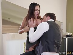 Lord it over dame Ariella Ferrera gives a boobjob together with takes flannel in the air anal opening