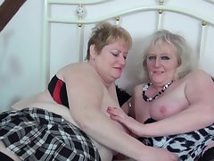 Lesbos in action crippling stockings - Claire Knight & Fiona Knight