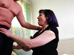 Mature short haired amateur Tigger pounded missionary air
