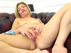 English Milf Filthy Emma Peels Off Her Parsimonious Jeans