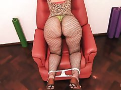 Immoral MILF Fiona Shakes Her Huge Buttocks Be worthwhile for Me