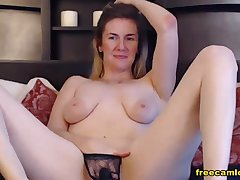 Classic Day-dream Babe Gets Online Webcam